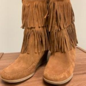 Fringe/suede brown/ tan wedge boot